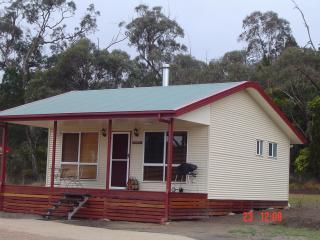 Maric Park Cottages - Stanthorpe, Queensland, Aust - Stanthorpe vacation rentals