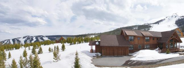 Lone Peak & the Big Rock Tongue trail loom above the property & highlight this ideal Ski In Ski Out location. - Amazing Views in all Directions - Sauna for 4, Steam Room for 4 (1033) - Big Sky - rentals