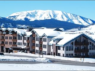 Easy Access to Area Restaurants - Custom Log and Tile Finishes (1087) - Crested Butte vacation rentals