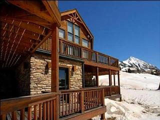 High Quality Ski Lodging - 5-Minute Walk to Base of the Ski Area and Lifts (1007) - Crested Butte vacation rentals