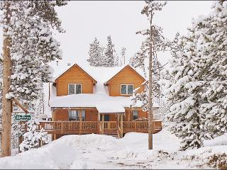 Classic Log Home in the Mountains - Huge Kitchen, Vaulted Ceilings, Spacious Feel (15085) - Winter Park vacation rentals