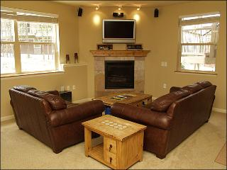 Newer Construction, High End Finishes - Kid Friendly - 2 Pack N Plays, High Chair (23001) - Winter Park vacation rentals