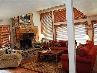 Upgraded Kitchen and Flooring - Vaulted Ceilings in the Living Room (24692) - Park City vacation rentals