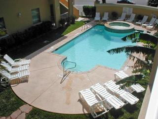 Las Verandas tastefully appointed luxury condo - South Padre Island vacation rentals