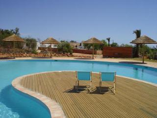 Algarve at its finest: 2 bedroom condo (free wifi) - Algarve vacation rentals