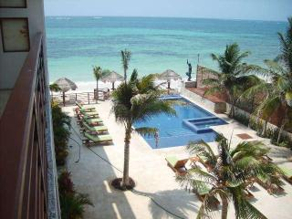 Paradise found! Escape to Puerto Morelos sleep 2-4 - Puerto Morelos vacation rentals