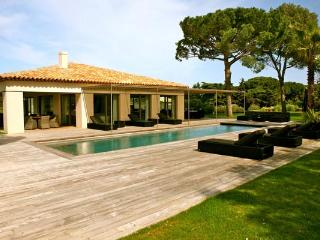 Ocean view villa between the village and beach. ACV ENT - Saint-Tropez vacation rentals