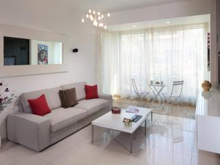 EMERALD - WOW! Style & Space, Beach - Bat Yam vacation rentals