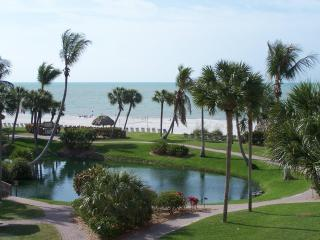 Unique Expansive View of the Gulf of Mexico - B37 - Sanibel Island vacation rentals