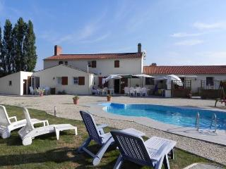 3 Beautiful holiday gites in the Vendee in France - Saint-Urbain vacation rentals