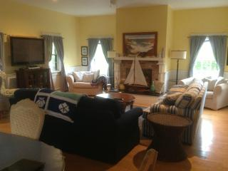 MidIsland Home, Convenient Location, 4 BR - 4.5 BA - Nantucket vacation rentals