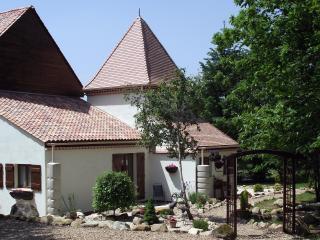 La Maison aux  Arbres - Piegut-Pluviers vacation rentals