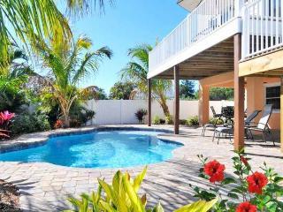 Luxurious beach Villa in North Anna maria 6bed 4ba - Anna Maria Island vacation rentals