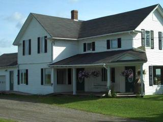 5 bedroom vacation rental home in Northern Maine - Saint David vacation rentals