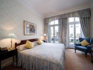 Mayfair Superior 3 Bedroom/2 Bathroom Apartment - London vacation rentals