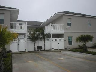Los Cabos - Mid Island - 2-3 minute walk to beach - South Padre Island vacation rentals