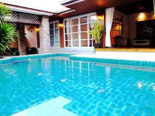 Luxury 4 Bedroom Bungalow with Private Pool - Pattaya vacation rentals