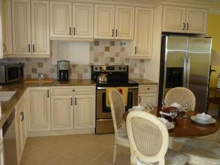 What a NICE CONDO-Great location too-Walk to Town ! - Marco Island vacation rentals
