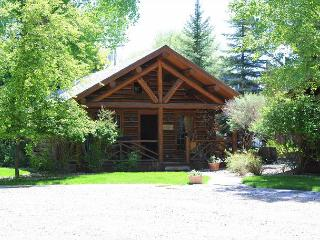Ennis Homestead Madison Cabin - Montana vacation rentals
