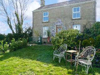 HILLSIDE COTTAGE, romantic cottage with WiFi and a garden, in Peasedown Saint John, Ref 14158 - Bristol vacation rentals