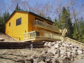Wintergreen Winterized, Deluxe, Fireplace, Air Tub - Babbitt vacation rentals