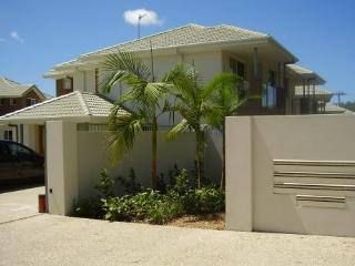 Pacificsun Gold Coast Holiday Townhouse - Parkwood vacation rentals