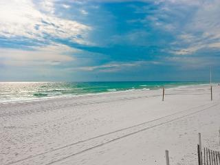 BEACHFRONT CONDO FOR 6!  OPEN 8/22-8/29 CALL BEFORE ITS GONE! - Fort Walton Beach vacation rentals