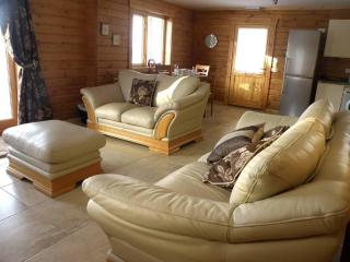 Hill of Maunderlea Lodges - Cullen vacation rentals