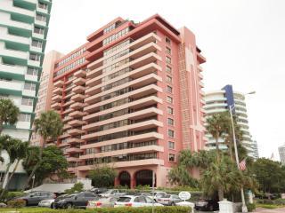 Oceanfront Resort Updated  2/2 - Suite 1514 - Miami Beach vacation rentals