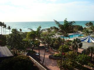 2 bedroom Condo, Oceanfront Resort - Unit 707 - Miami Beach vacation rentals