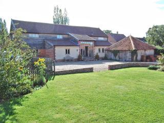 Priory Holiday Barn, Suffolk, UK. Sleeps 8 - Suffolk vacation rentals