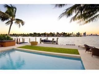Paradise Villa 4 bd Waterfront  w pool South Beach - North Miami Beach vacation rentals