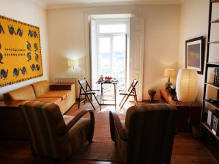 Apartment in Lisbon 47a - Castelo - Costa de Lisboa vacation rentals