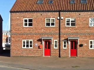 RAILWAY COTTAGE, North York Moors and Coast Ref 10683 - Staithes vacation rentals