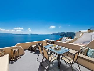 LUCKY HOMES OIA: OIA HOME I FOR 2-5 PERSONS! - Oia vacation rentals