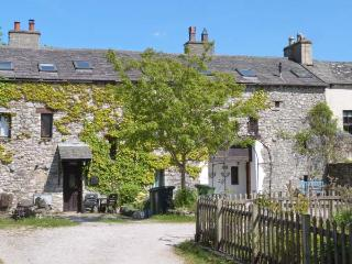 SUMMER COTTAGE end-terrace, family friendly, open fire in Allithwaite Ref 14284 - Lindale vacation rentals