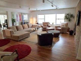 The Green House - 3BR/2BA Retro Style - Easy Walk - Santa Fe vacation rentals