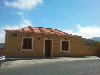 Charming Rural House In The Heart Of Gran Canaria - Teror vacation rentals