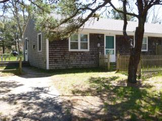 BAY COTTAGES *** Walk to Beach*** Fireplaces * - Eastham vacation rentals