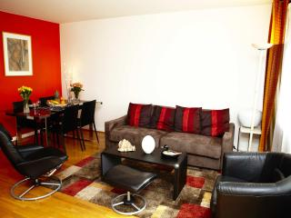 Charming, Centrally Located Apartment with 1 Bedroom - Ile-de-France (Paris Region) vacation rentals