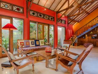 Stunning, Spacious, Colorfully Artistic Bali House - Sanur vacation rentals