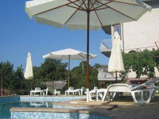 Villa with pool and sea-view, close to Varna - Kranevo vacation rentals