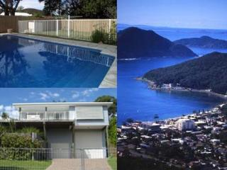 5 bedroom holiday house. Pool. Walk - beach, shops - Shoal Bay vacation rentals