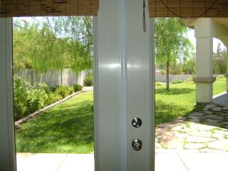 1 BDRM GUESTHOUSE/COTTAGE AFFORDABLE LAS VEGAS - Las Vegas vacation rentals