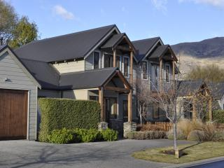 Luxury on Lansdown Wanaka - South Island vacation rentals