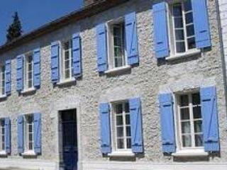 La Maison des Lys - Valence sur Baise vacation rentals