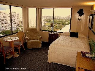 Deluxe Waikiki Adjoining Studios w/kitchen sleeps6 - Honolulu vacation rentals