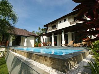 Maenam, Koh Samui Beach & Golf Holiday Villa. - Mae Nam vacation rentals