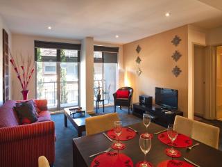 StayCentral Catani 2 quiet beach trams restaurants - St Kilda vacation rentals