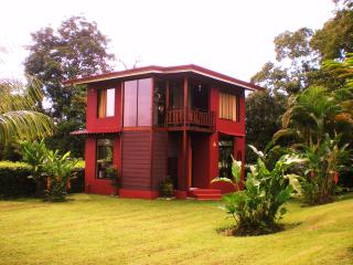 VILLA TRENTINO, in La Fortuna downtown !!! - La Fortuna de San Carlos vacation rentals